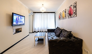 Luxury one-bedroom king-size bed apartment with bath and shower, One Bedroom, 003