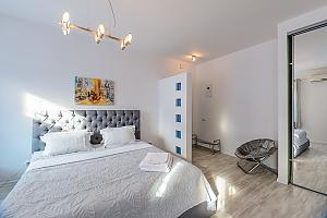 """Розташовані на першому поверсі апартаменти-студіо з двоспальним ліжком розміру """"king-size"""", 1-кімнатна, 003"""