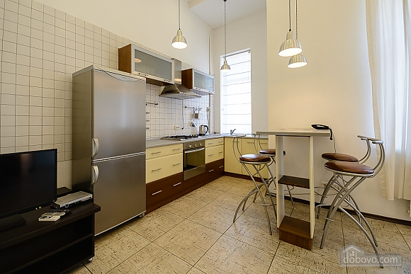 Street view one-bedroom jaсuzzi apartment with balcony and kitchen, One Bedroom (91913), 006