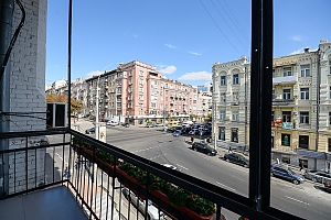 Street view one-bedroom jaсuzzi apartment with balcony and kitchen, One Bedroom, 014