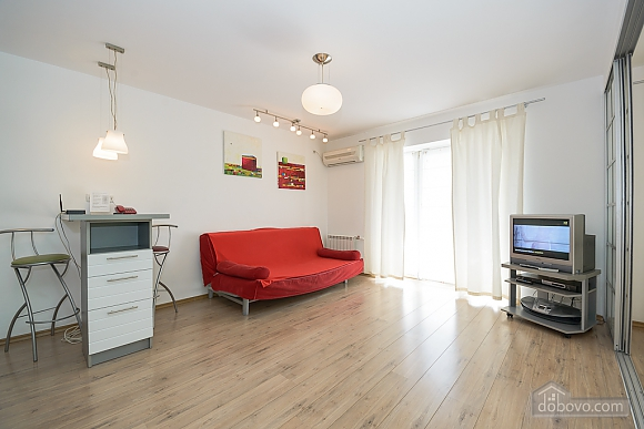 White family jaсuzzi apartment with balcony and sofa bed, One Bedroom (24431), 001