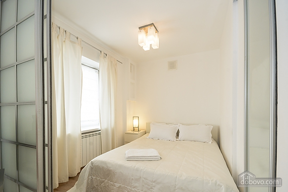 White family jaсuzzi apartment with balcony and sofa bed, One Bedroom (24431), 003