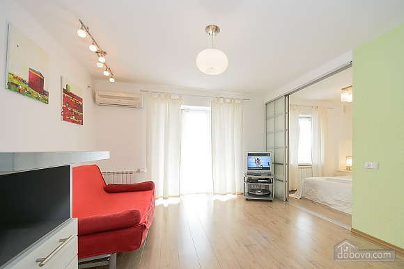 White family jaсuzzi apartment with balcony and sofa bed, One Bedroom (24431), 004