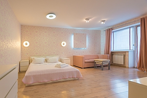 Pink spacious studio apartment with jacuzzi and balcony, Studio, 001