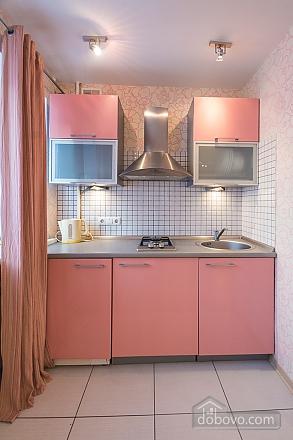 Pink spacious studio apartment with jacuzzi and balcony, Studio (91979), 007