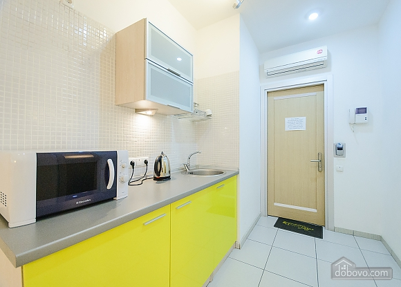 Top floor Yellow double room with jacuzzi, Studio (24497), 006