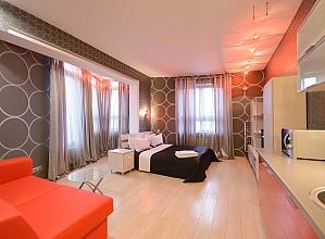 Двомісний номер Сірий з одним ліжком та гідромасажною ванною, верхній поверх, 1-кімнатна, 002