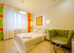Двомісний номер Помаранчевий з одним ліжком та гідромасажною ванною, верхній поверх, 1-кімнатна, 001