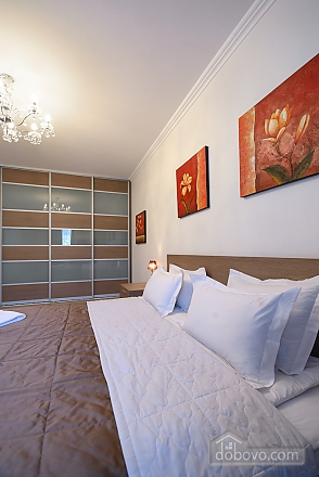 Superior one-bedroom jacuzzi apartment with kitchen and balcony , Un chambre (92177), 004