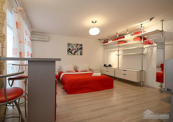 Red and White studio apartment with balcony and kitchenette, Monolocale (92309), 005