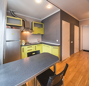 Green street view studio apartment with shower and balcony, Monolocale, 003