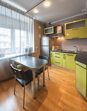 Green street view studio apartment with shower and balcony, Monolocale, 004