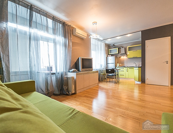 Green street view studio apartment with shower and balcony, Monolocale (24958), 006
