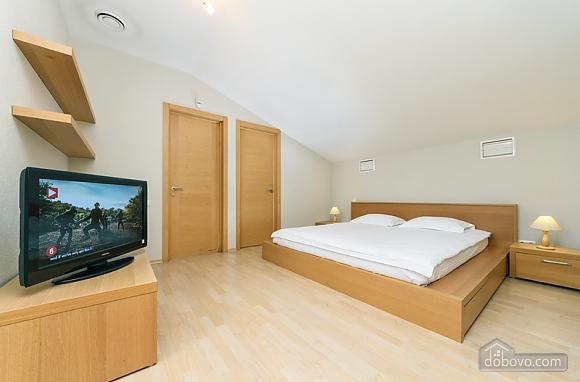 6 Zankovetskoi, Deux chambres (70056), 013