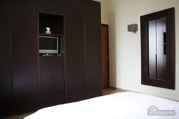 Гарна квартира у самому центрі міста, 2-кімнатна (47606), 006