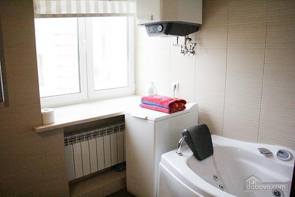 Гарна квартира у самому центрі міста, 2-кімнатна (47606), 009