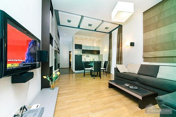 Гарна квартира у самому центрі міста, 2-кімнатна (47606), 015
