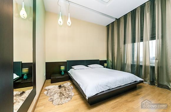 Гарна квартира у самому центрі міста, 2-кімнатна (47606), 026