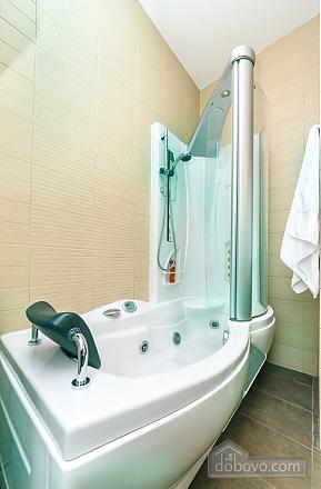 Гарна квартира у самому центрі міста, 2-кімнатна (47606), 027