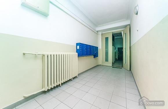 Гарна квартира у самому центрі міста, 2-кімнатна (47606), 029
