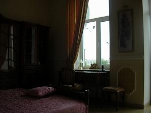 38 Soborna, One Bedroom, 003