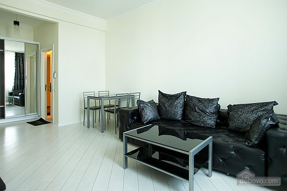 Stylish Black & White one-bedroom apartment with king-size bed, Zweizimmerwohnung (26013), 012