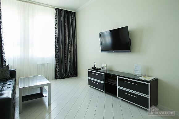 Stylish Black & White one-bedroom apartment with king-size bed, Zweizimmerwohnung (26013), 013