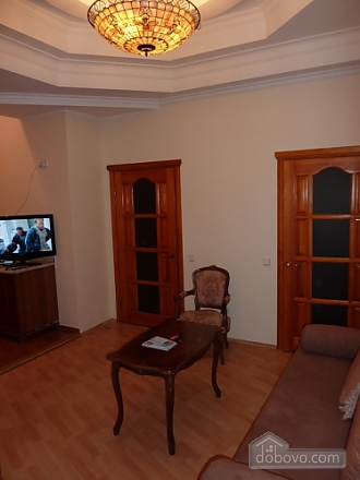 Apartment opposite synagogue in the center, Trois chambres (26079), 003