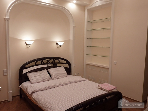 Apartment opposite synagogue in the center, Trois chambres (26079), 002