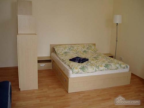 24 Стрилецкая, 1-комнатная (94682), 001