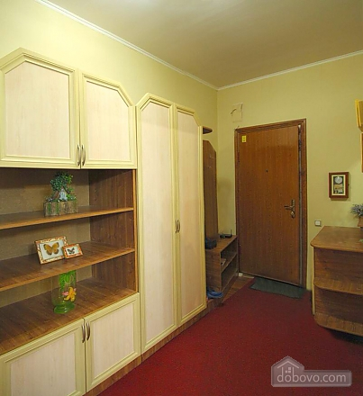 Квартира в самом центре, 2х-комнатная (62965), 006
