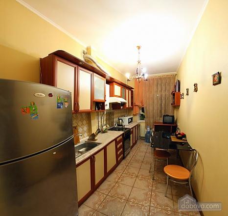 Квартира в самом центре, 2х-комнатная (62965), 007