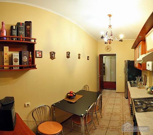 Квартира в самом центре, 2х-комнатная (62965), 008
