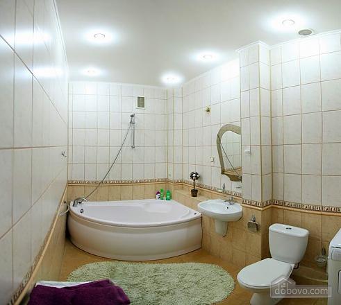 Квартира в самом центре, 2х-комнатная (62965), 009