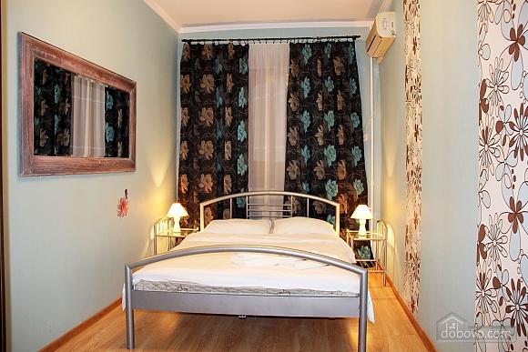 2 Gospitana, Un chambre (18130), 011