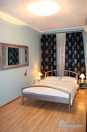 2 Gospitana, Un chambre (18130), 012