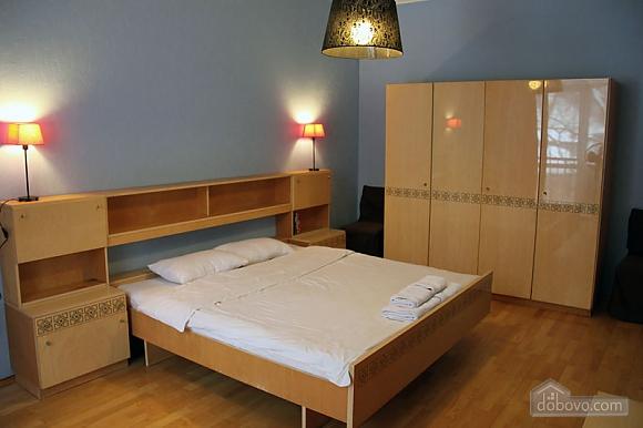4 Pervomaiskoho Leonida, Zweizimmerwohnung (40647), 008