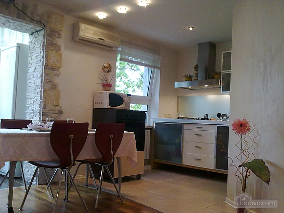 Apartment in a quiet district, Two Bedroom (71994), 003