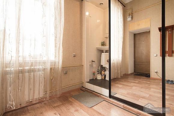 Красива квартира біля Оперного театру, 1-кімнатна (17086), 013