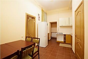 Pretty apartment in the center of Lviv, Two Bedroom, 004