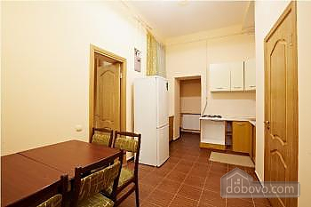 Pretty apartment in the center of Lviv, Due Camere (16354), 004