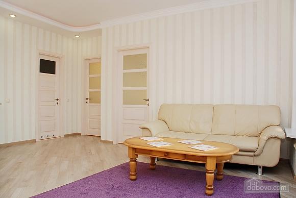 Красивая квартира с видом на Днепр, 3х-комнатная (60211), 003