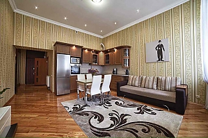 Apartment in the heart of Lviv, One Bedroom, 003