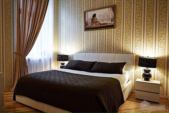 Апартаменты в центре Львова, 2х-комнатная (91475), 002