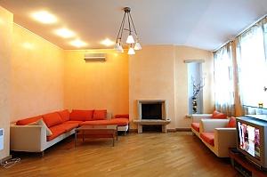 Penthouse with a sauna at Nezalezhnosti square, Due Camere, 001