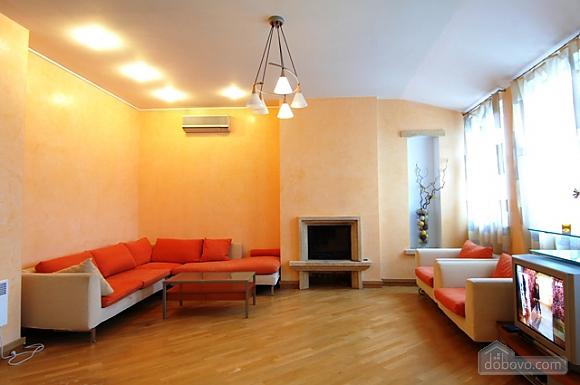 Penthouse with a sauna at Nezalezhnosti square, Dreizimmerwohnung (37457), 001