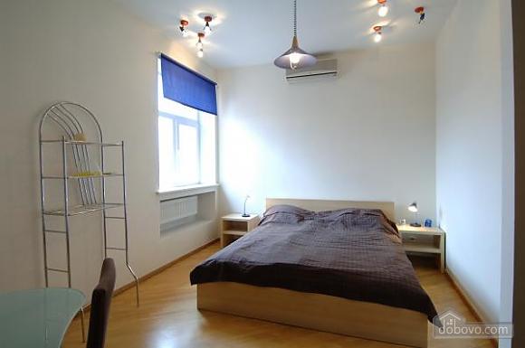 Penthouse with a sauna at Nezalezhnosti square, Dreizimmerwohnung (37457), 005