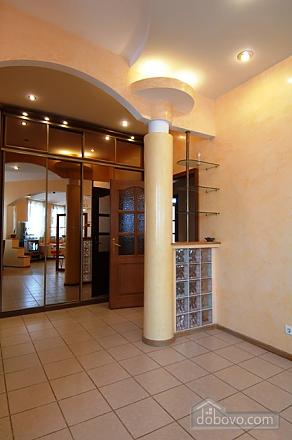 Penthouse with a sauna at Nezalezhnosti square, Dreizimmerwohnung (37457), 008