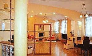 Penthouse with a sauna at Nezalezhnosti square, Due Camere, 004