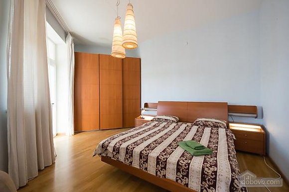 Penthouse with a sauna at Nezalezhnosti square, Dreizimmerwohnung (37457), 012